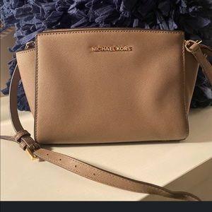 Michael Kors Bag - Mini Selma Crossbody